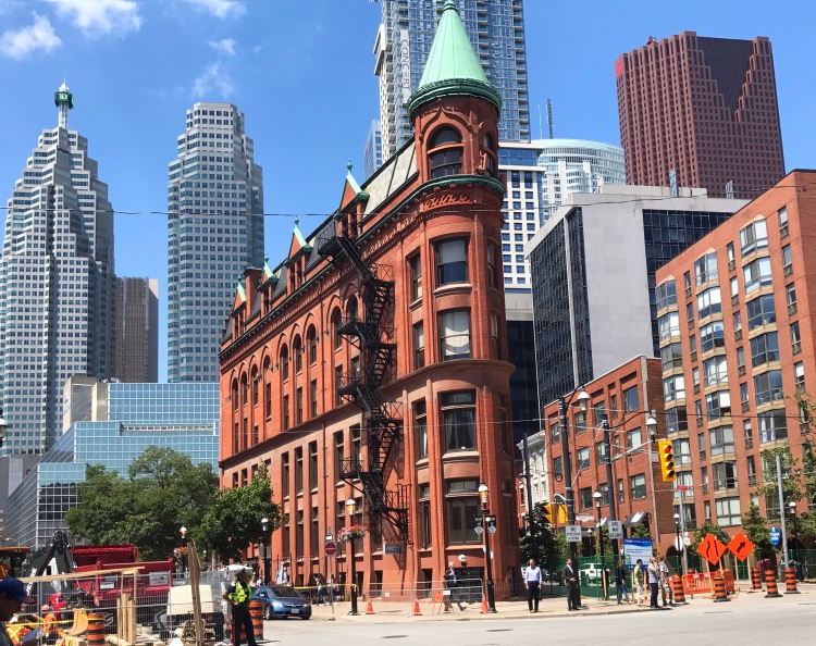 How To Spend 24 Hours In Toronto
