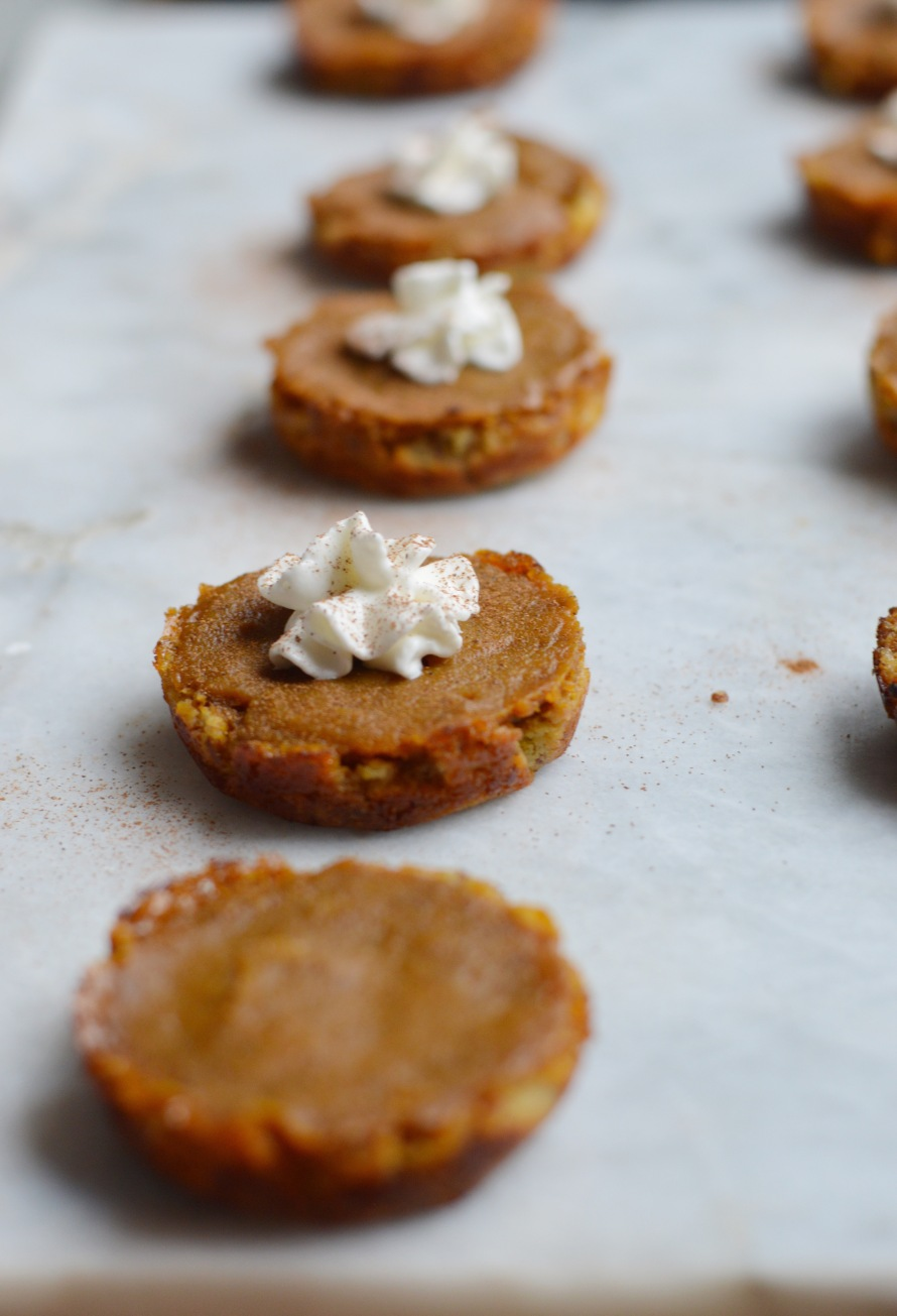 Vegan Mini Pumpkin Pie Bites - Fall Dessert Recipe